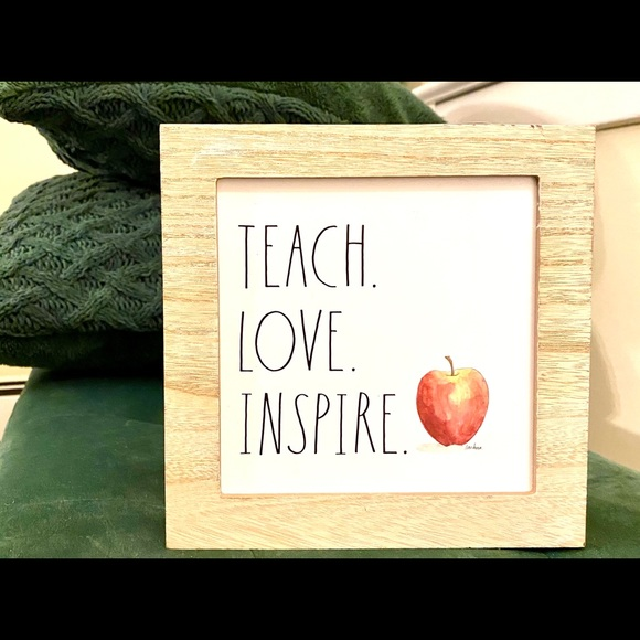 HP🎉RAE DUNN love teach inspire wood sign